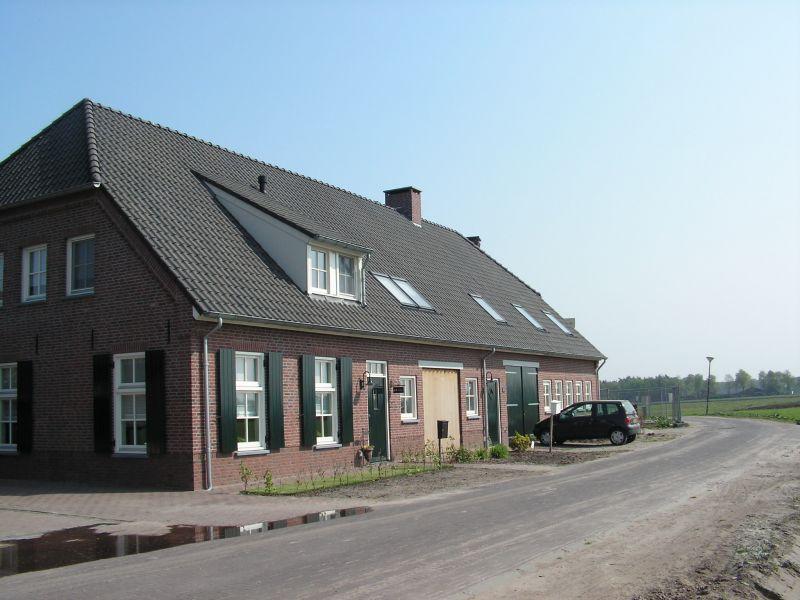 Wij bouwen aan huizen en onze relaties for Catalogus woning bouwen